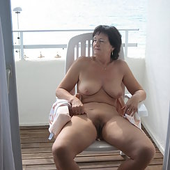 Gorgeous MILF Showing Off Her Hairy Pussy